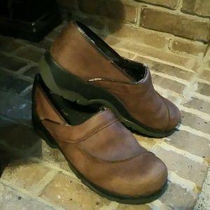 Men's Dansko Sport brown leather clogs. Size 44